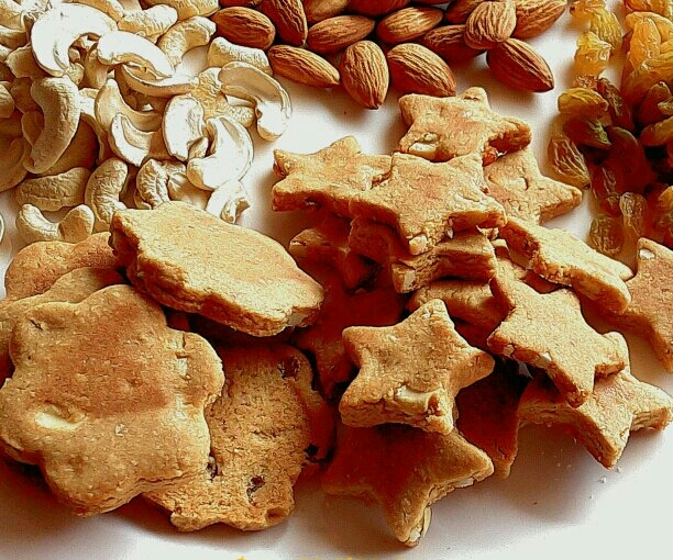 Khajur Gur Or Date Palm Jaggery Oats Dry Fruits Cookies