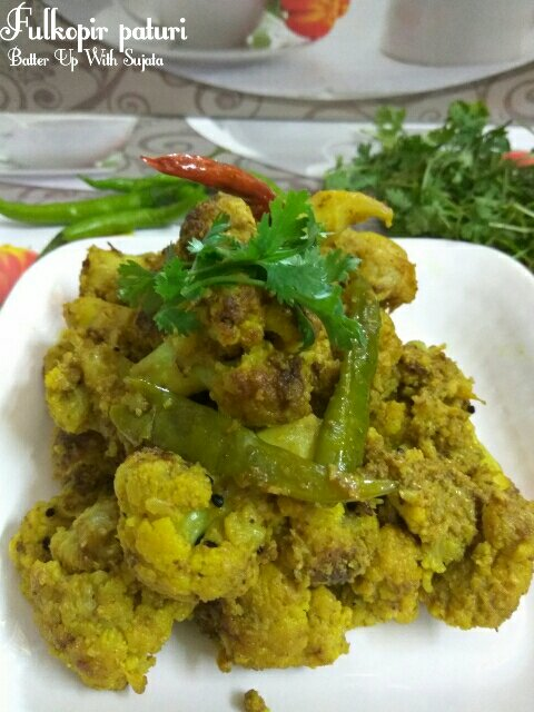Fulkopir Paturi Or Cauliflower With Poppy Seeds And Mustard