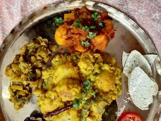 Bhuni Khichuri Or Bhoger Khichuri/Moong DalKhichdi